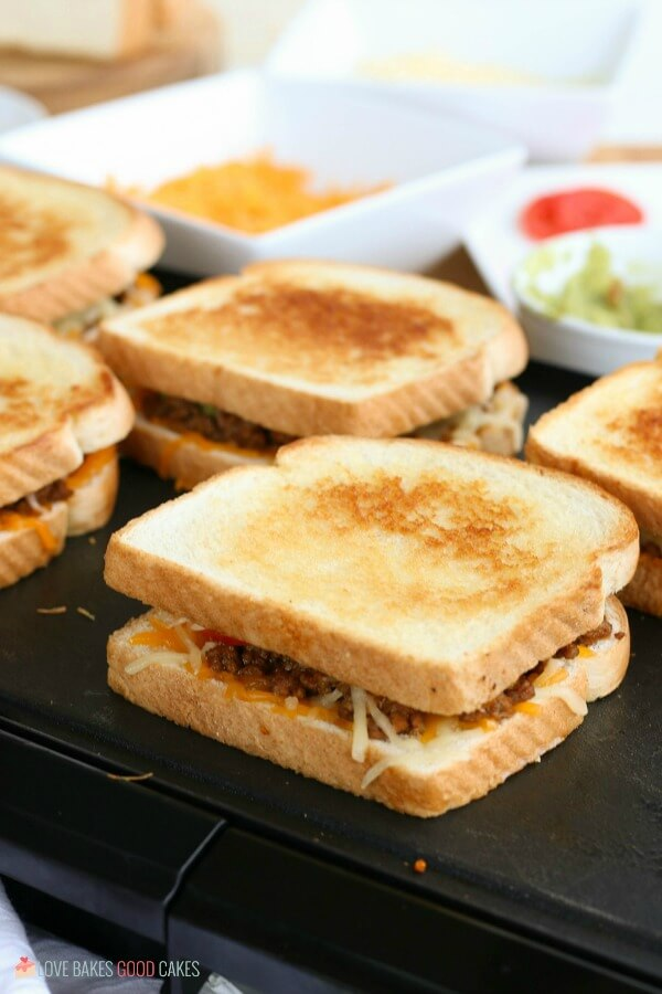grilling grilled cheese sandwiches