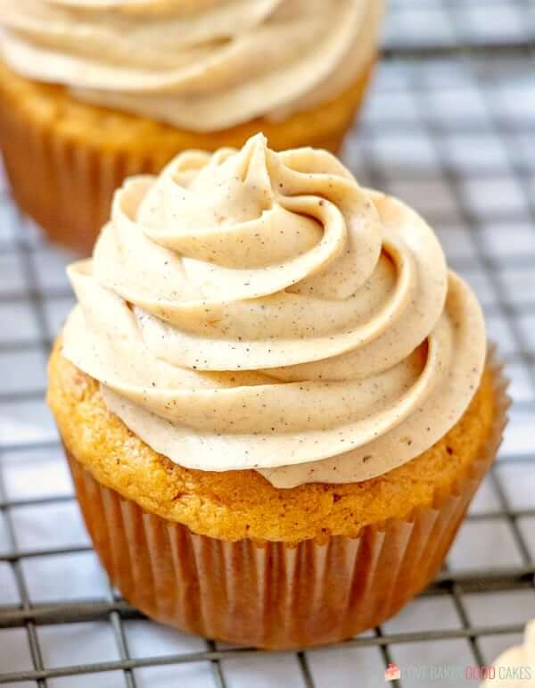 Pumpkin Cupcakes with Pumpkin Spice Cream Cheese Frosting close up.