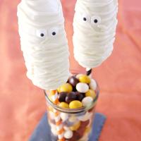 Mummy Twinkie Pops