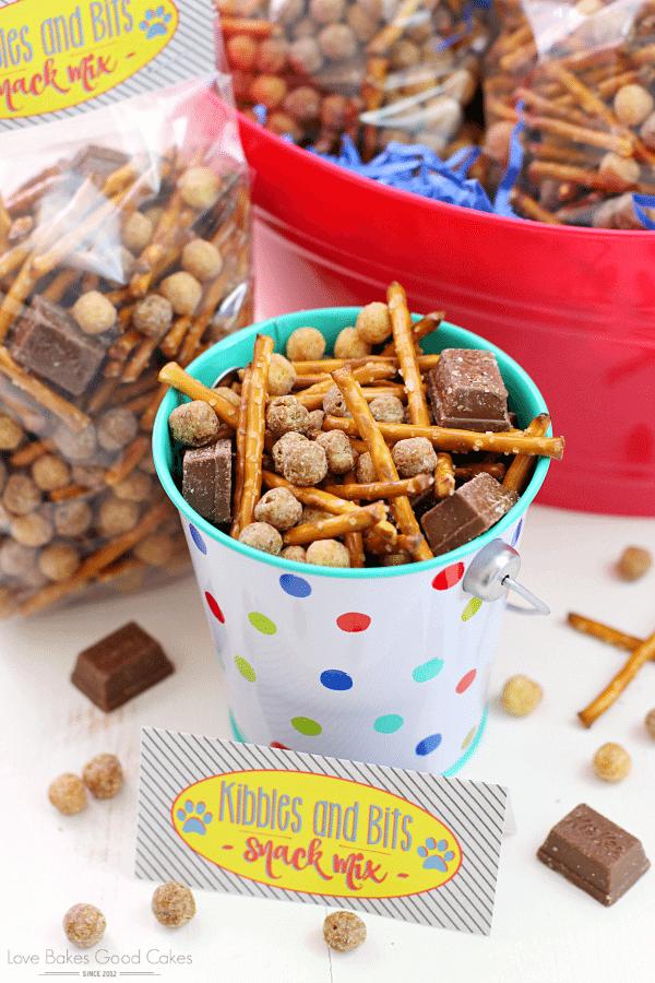 Kibbles & Bits Snack Mix