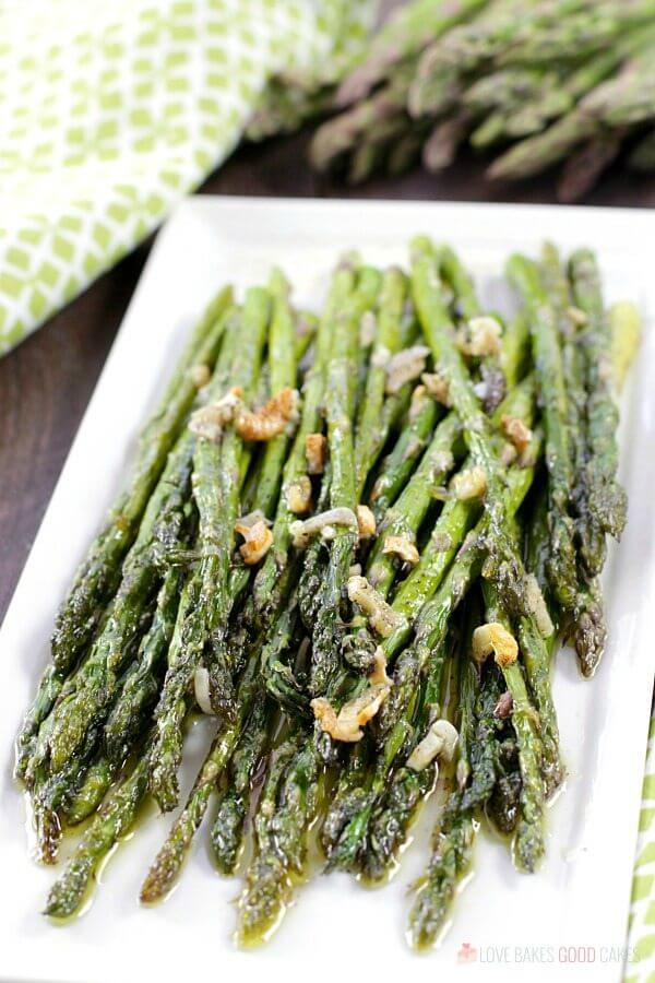 Oven-Roasted Asparagus on a plate.