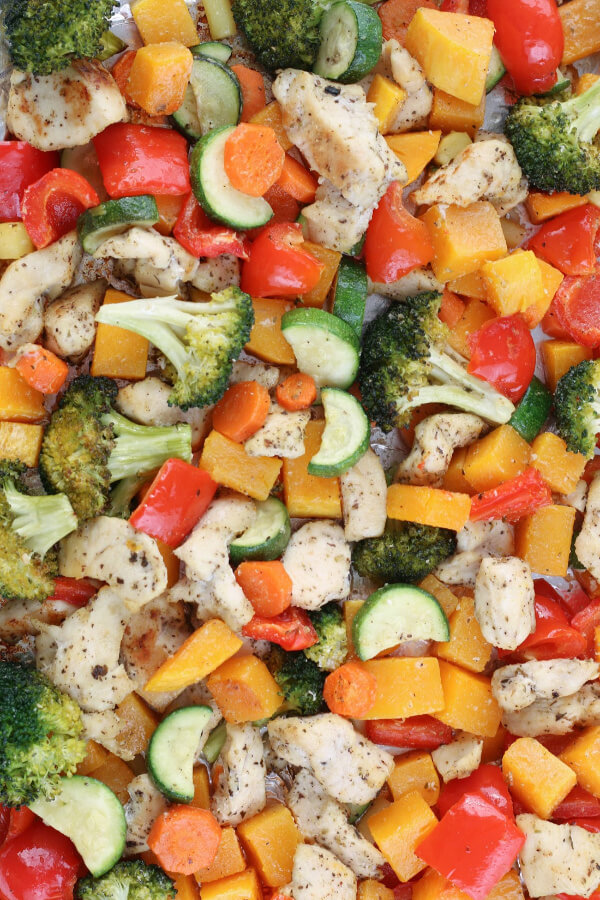 A finished look at our chicken sheet pan meal all baked and ready to serve.