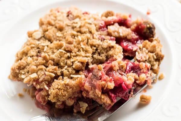 easy rhubarb crisp on plate